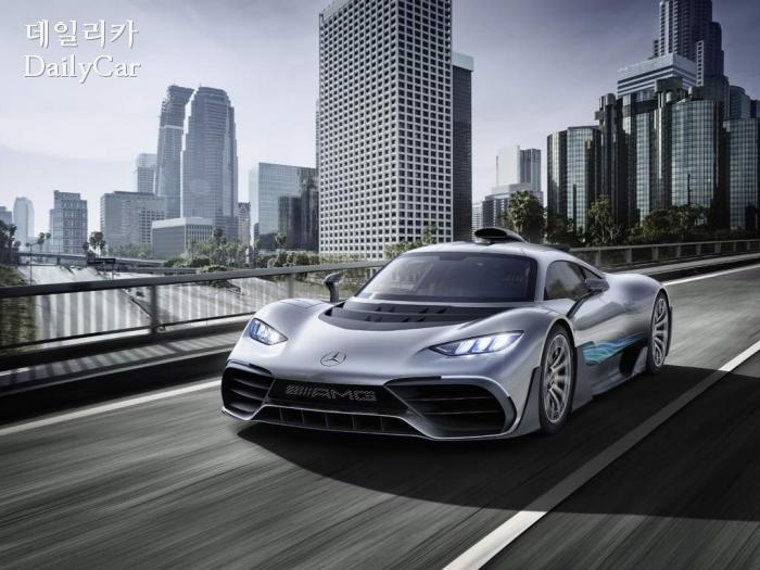 벤츠, AMG 라인업에 전동화 기술 적용..V12 엔진은 단종