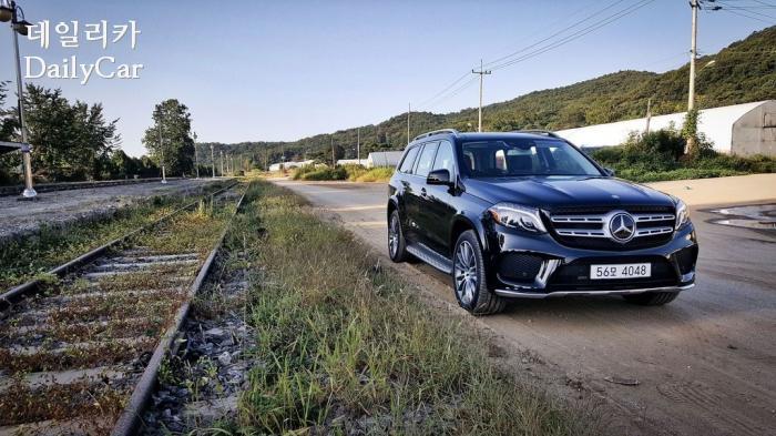 [시승기] 벤츠 GLS500 4MATIC..압도적 존재감 지닌 럭셔리 SUV