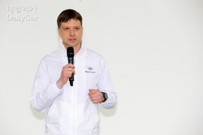 """키슬링 벤틀리 매니저, """"최고의 SUV를 원하는 고객 늘고 있다""""..."""