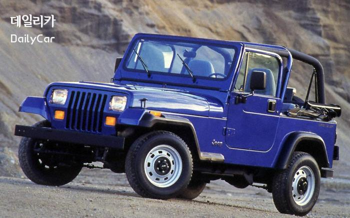 사다리꼴 뒤 휠 아치의 1987년형 YJ