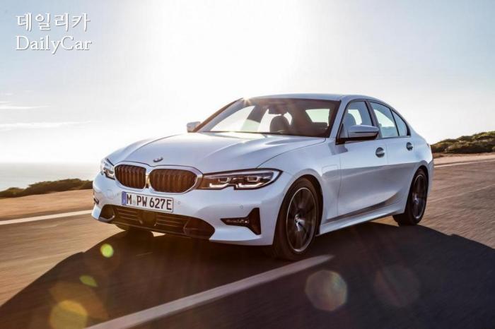 BMW, 2019년형 330e