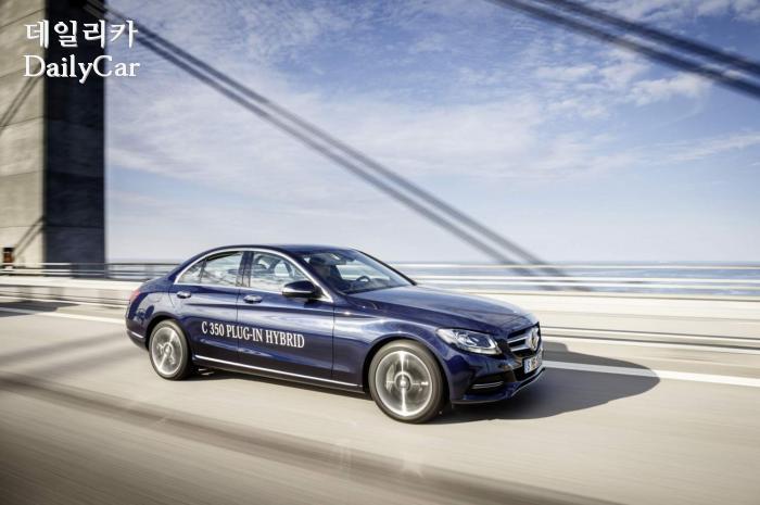 벤츠, 신형 C클래스 출시 계획..BMW 3시리즈와 경쟁
